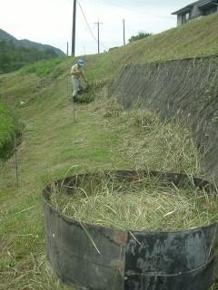 盆休み中は草刈りと堆肥作り