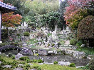 大通寺の庭園