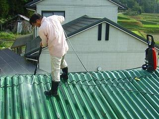 倉庫の屋根の塗装